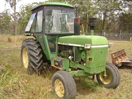 John Deere 3130 - GT2213